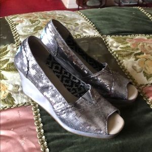 Silver sequined wedges toms